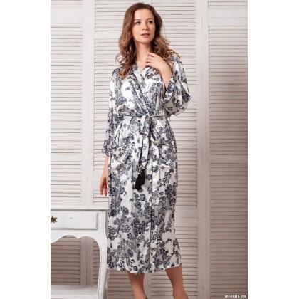 Длинный халат выполнен из принтованного искусственного шелка Paulina (EMM 8169)